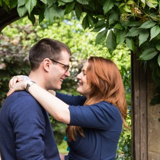 12 engagement session photography college garden Cambridge