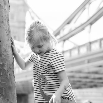 36 family portrait photographer London little girl exploring