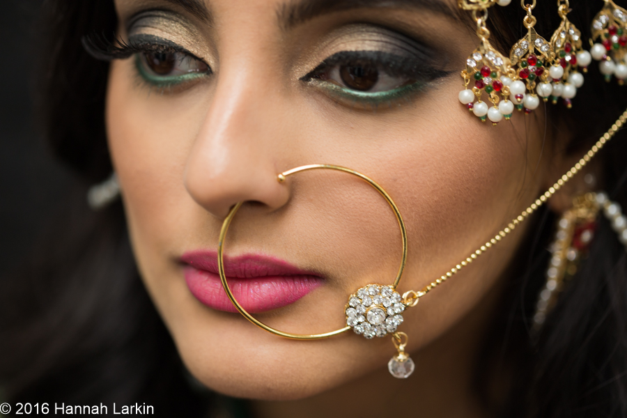 London Wedding Photography – A modern twist on an Asian bridal look