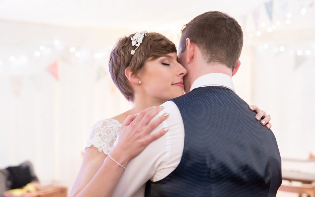 Wedding Photography – Relaxed first dances to match your personality
