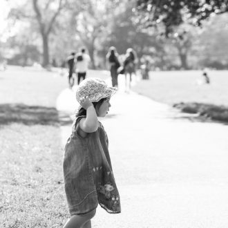 24 best family photographer London walk in park
