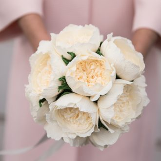 13 wedding photography London paper flower bridal bouquet