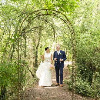 32 wedding outdoor photography Oxford woodland walk